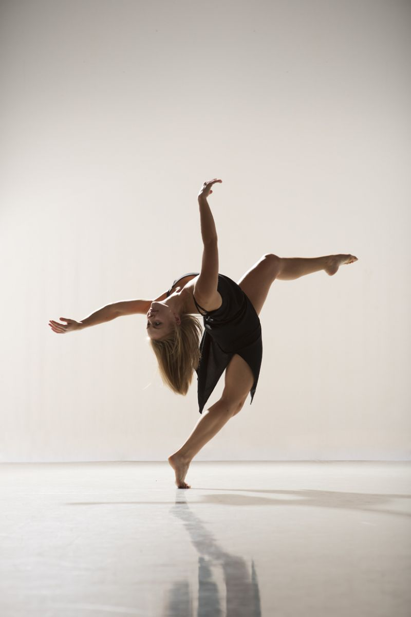 Q&A with Dance Performer Viva Foster!
